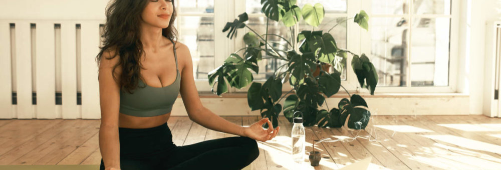 Met deze yogaoefeningen begin je goed aan je dag