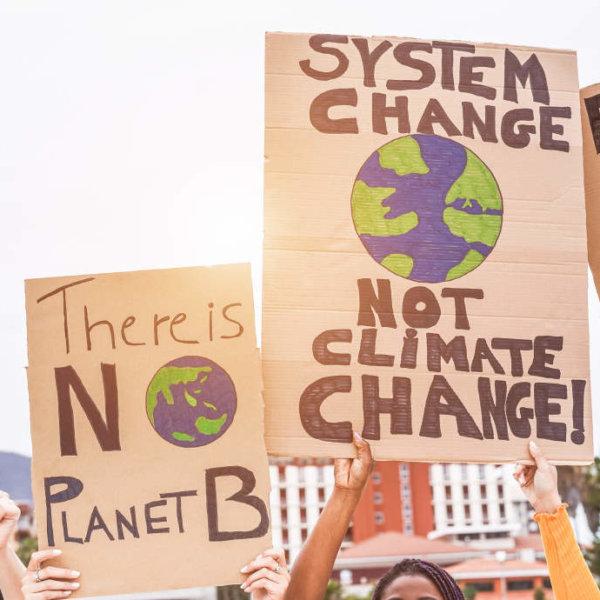 Over de klimaatcrisis, leven in de deciding decade